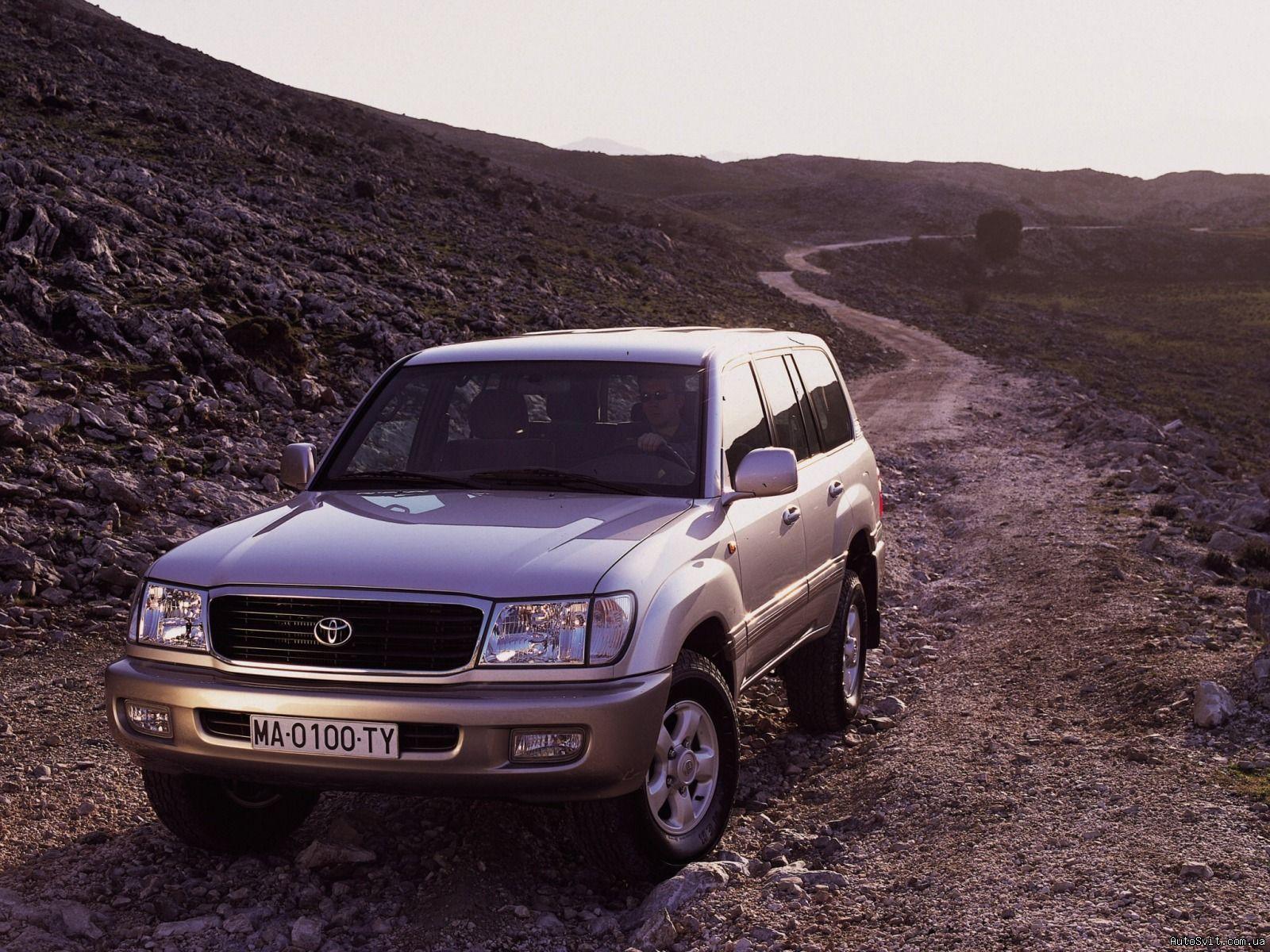Kelebihan Toyota Land Cruiser 100 Tangguh
