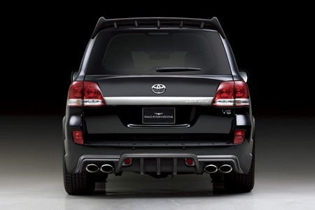 Toyota Land Cruiser 300 photo 03