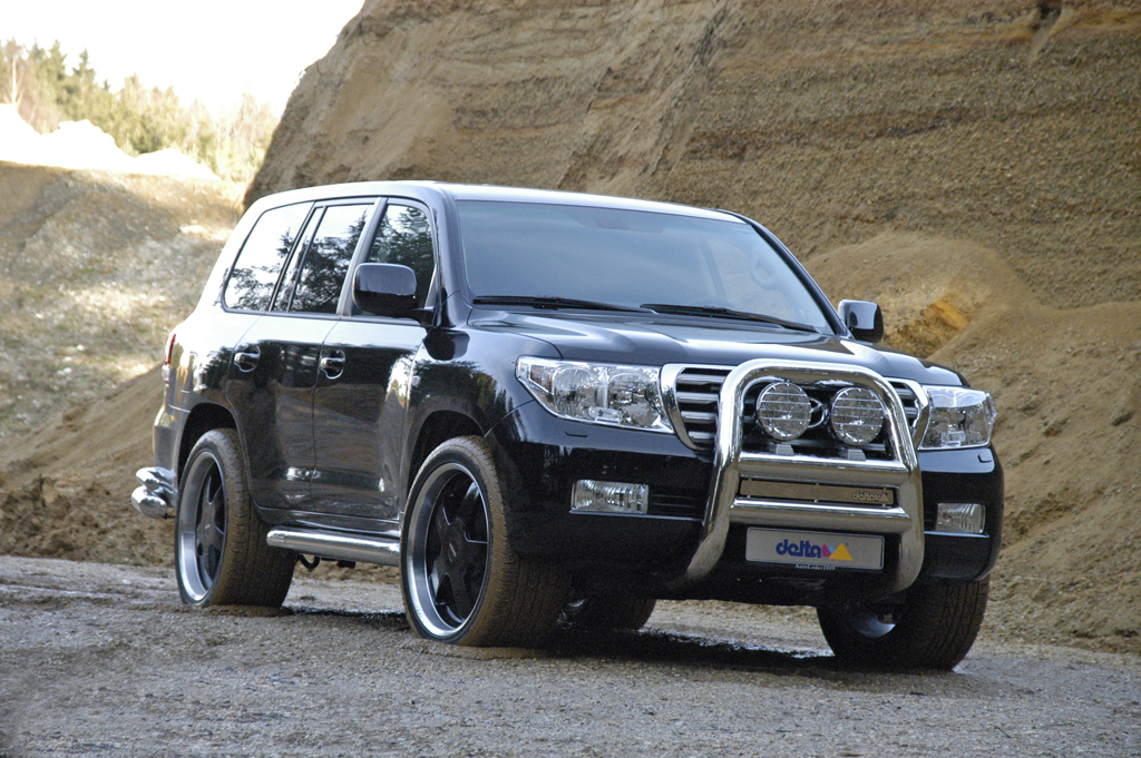 Toyota Land Cruiser 300 photo 04