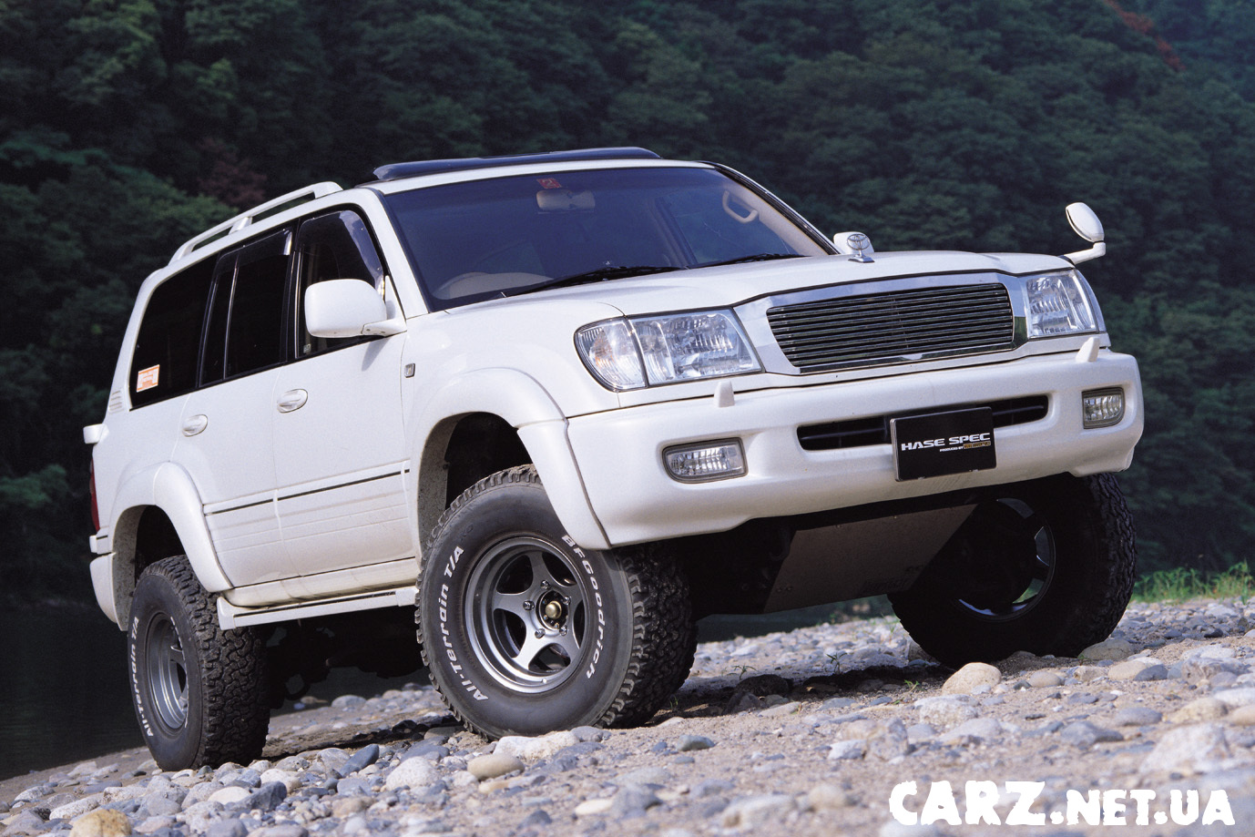 Toyota Land Cruiser 300 photo 06