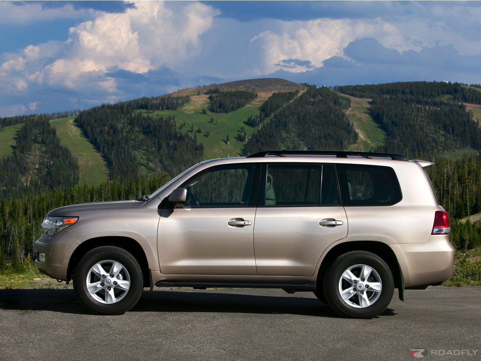 Toyota Land Cruiser V8 photo 03