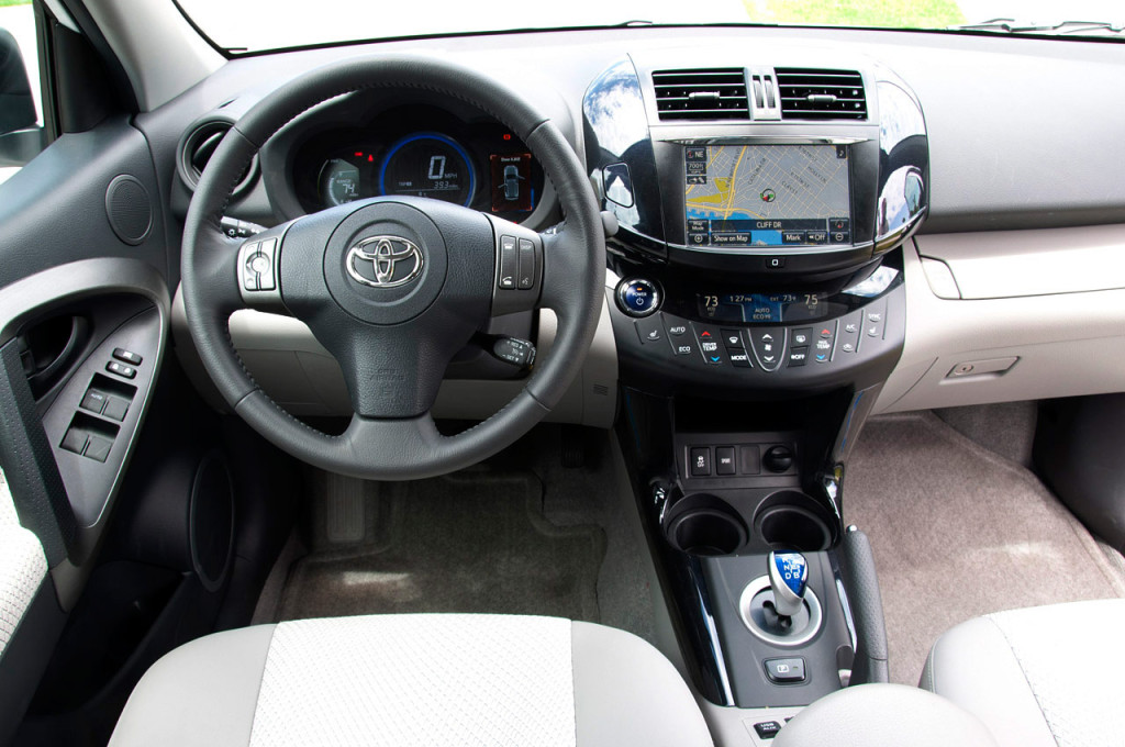 Toyota RAV4 photo 17