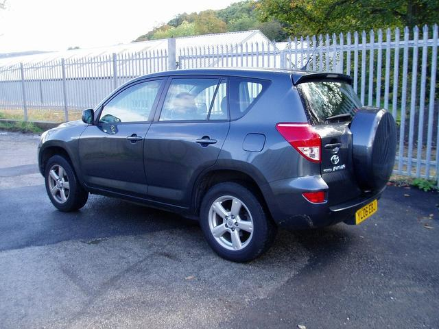 Toyota RAV4 2.0 VVTi photo 08