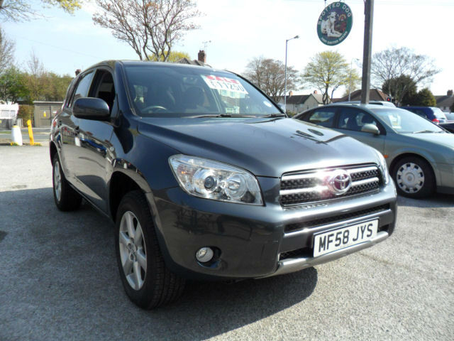 Toyota RAV4 2.0 VVTi photo 10