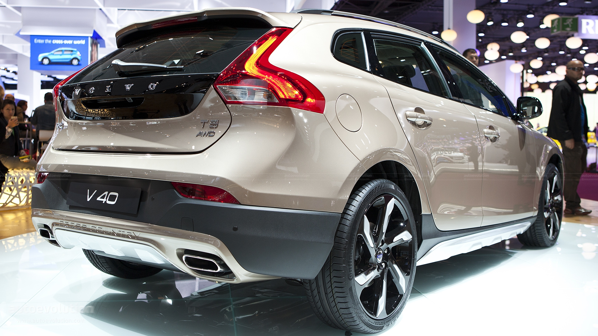 Volvo V40 Cross Country Technical Details, History, Photos