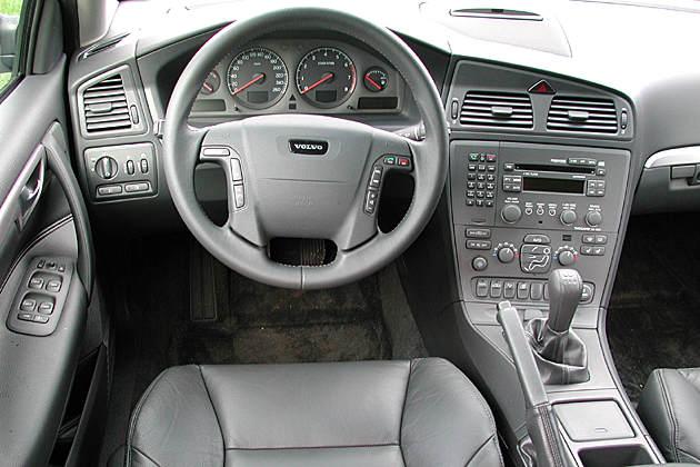 Volvo V70 2 4 D Image 14