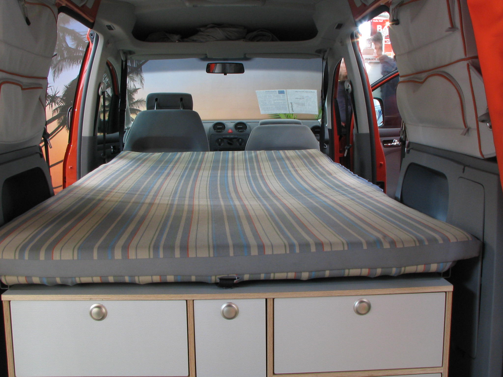 vw caddy tramper photos 6 on better parts ltd. Black Bedroom Furniture Sets. Home Design Ideas