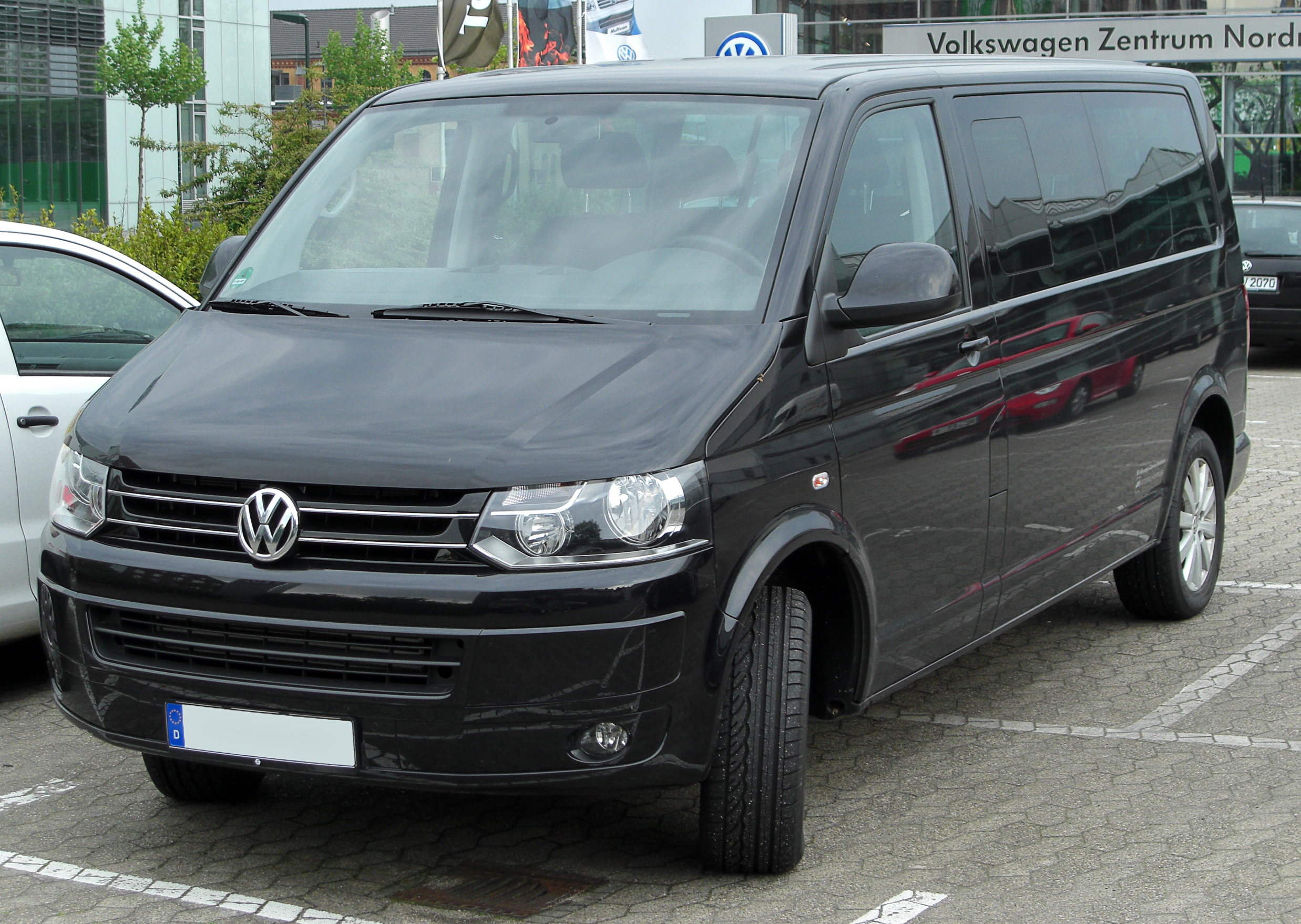 VW Caravelle photo 03