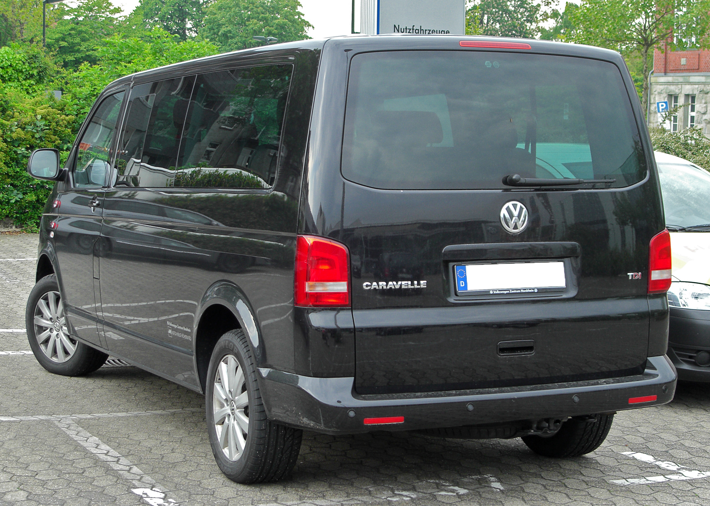 VW Caravelle photo 12