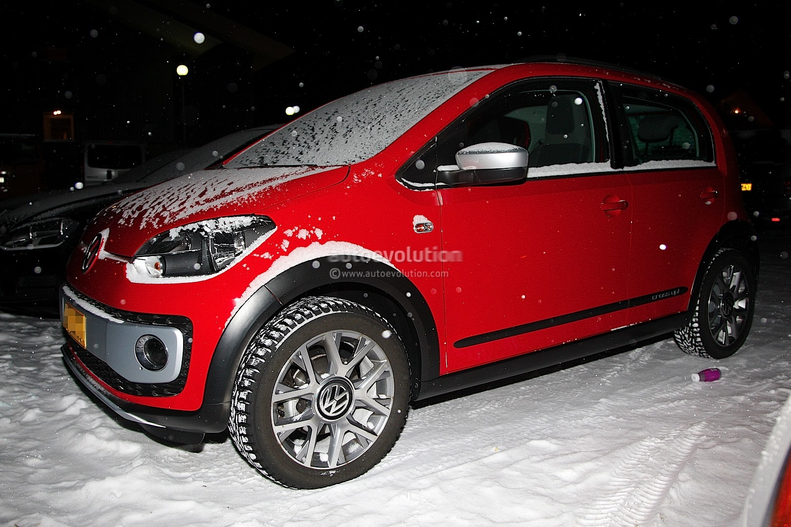 VW cross up! photo 02