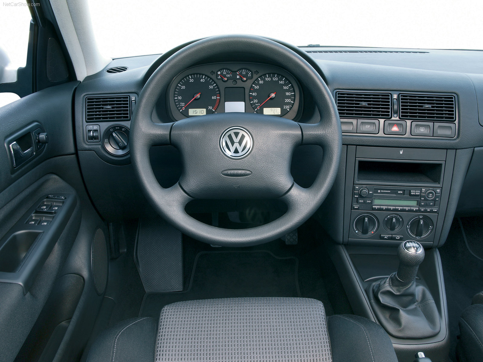 VW Golf 4 photo 03