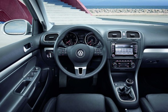 VW Golf Variant BlueMotion image #9
