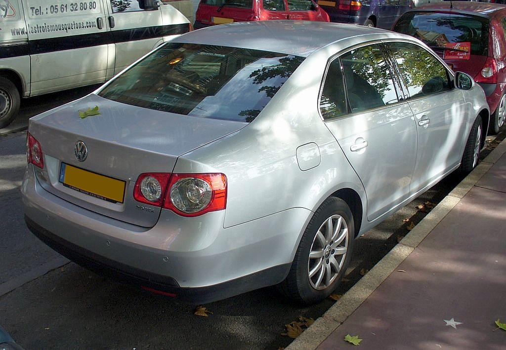 VW Jetta 2.0 TDI photo 01