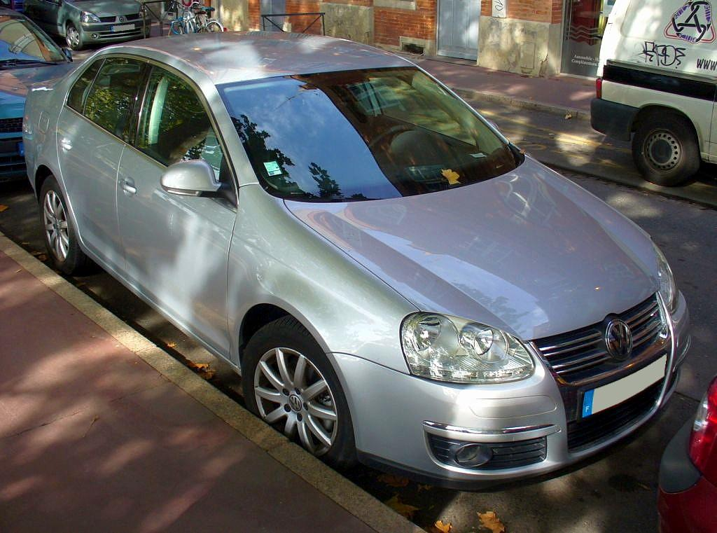 VW Jetta 2.0 TDI photo 08