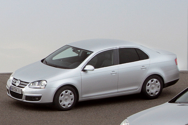 VW Jetta BlueMotion image #11