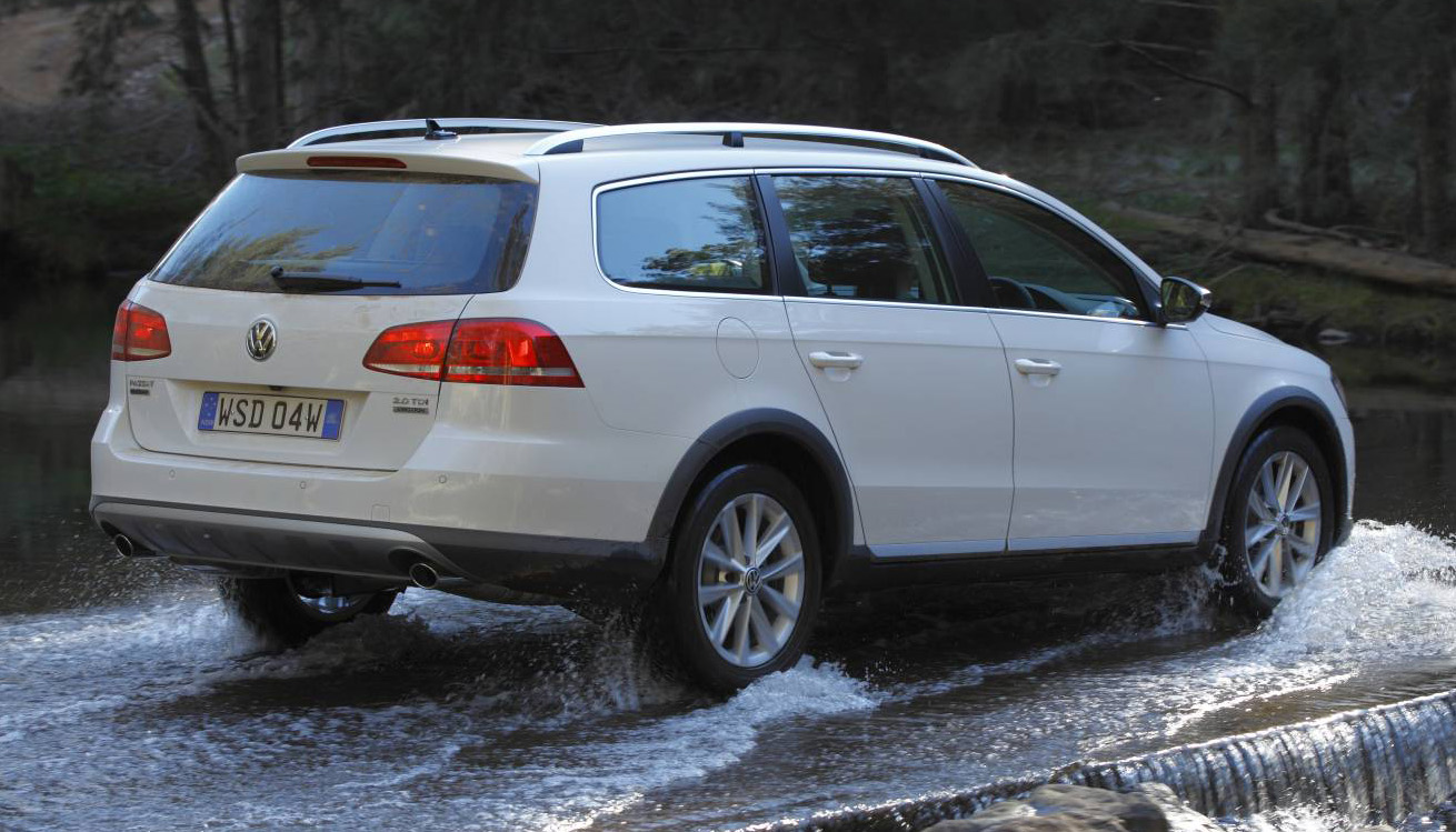 VW Passat Alltrack photo 11