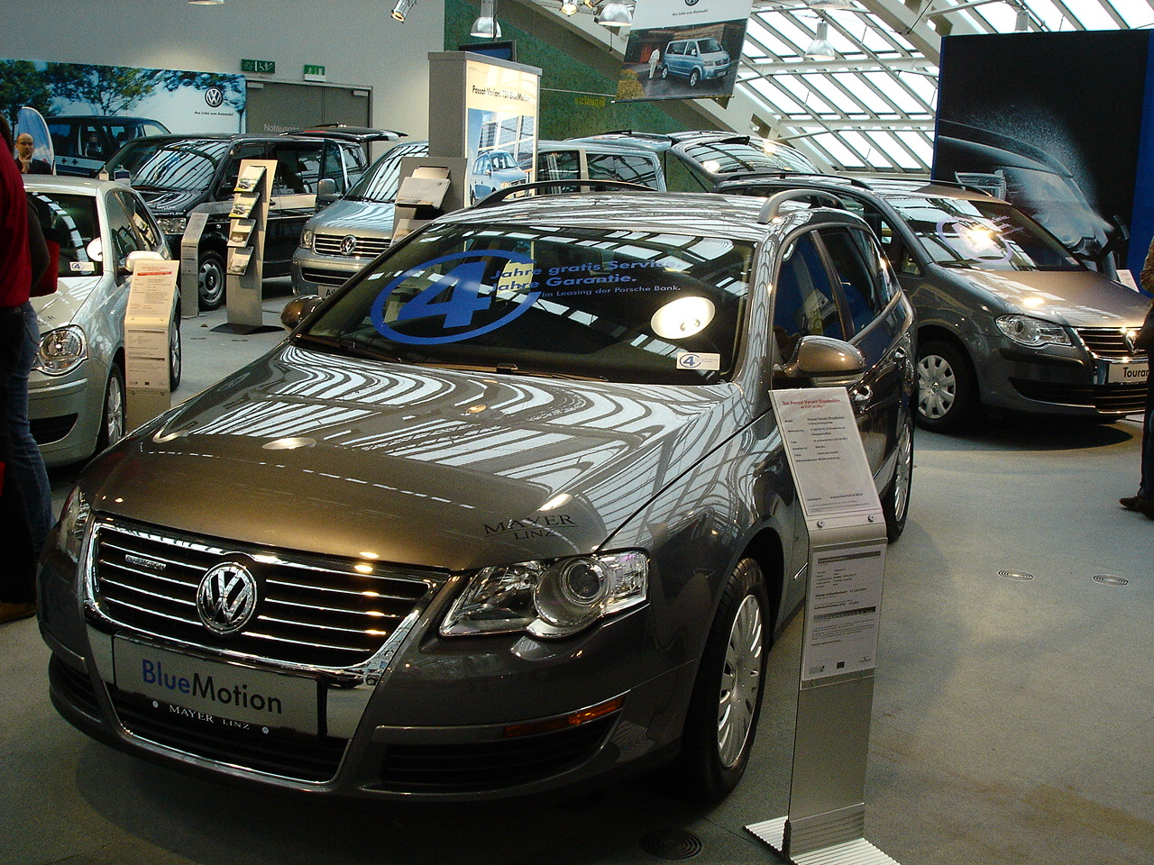 VW Passat BlueMotion image #2
