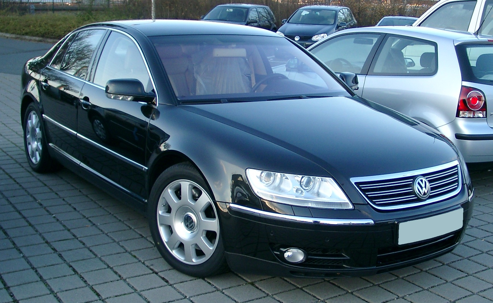 VW Phaeton photo 01