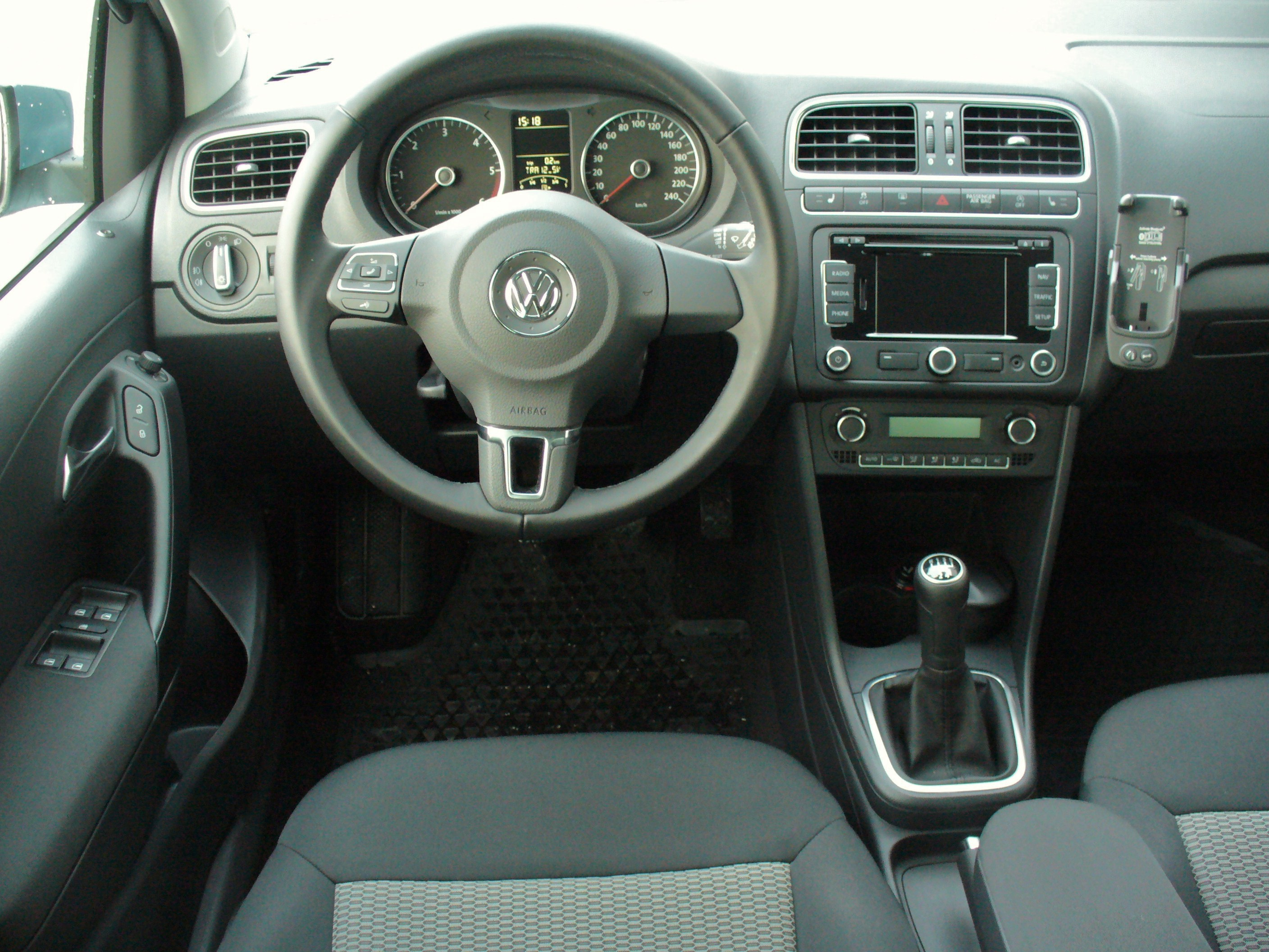 vw polo 1 2 tdi bluemotion photos 5 on better parts ltd. Black Bedroom Furniture Sets. Home Design Ideas