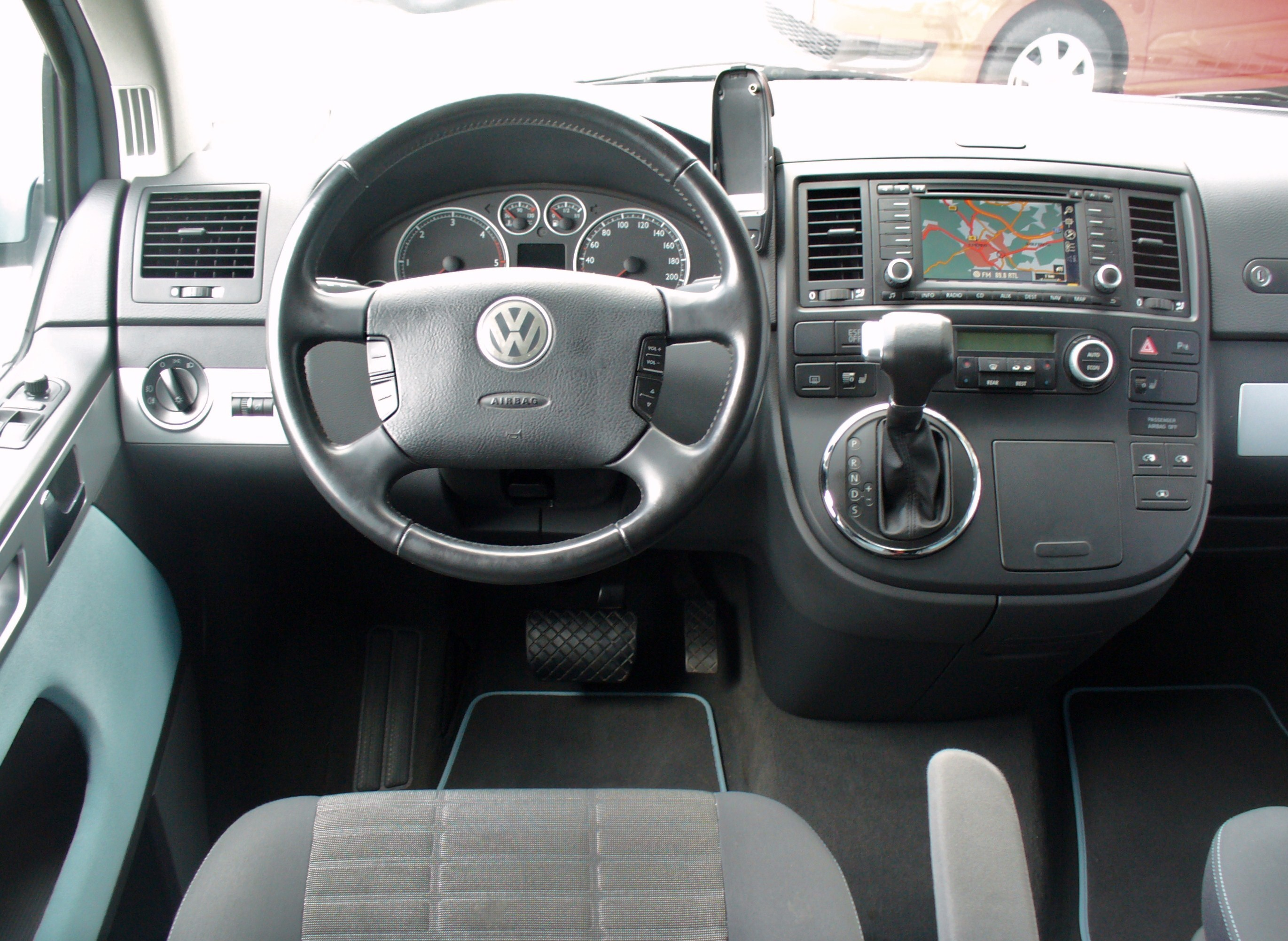 VW T5 Multivan photo 14