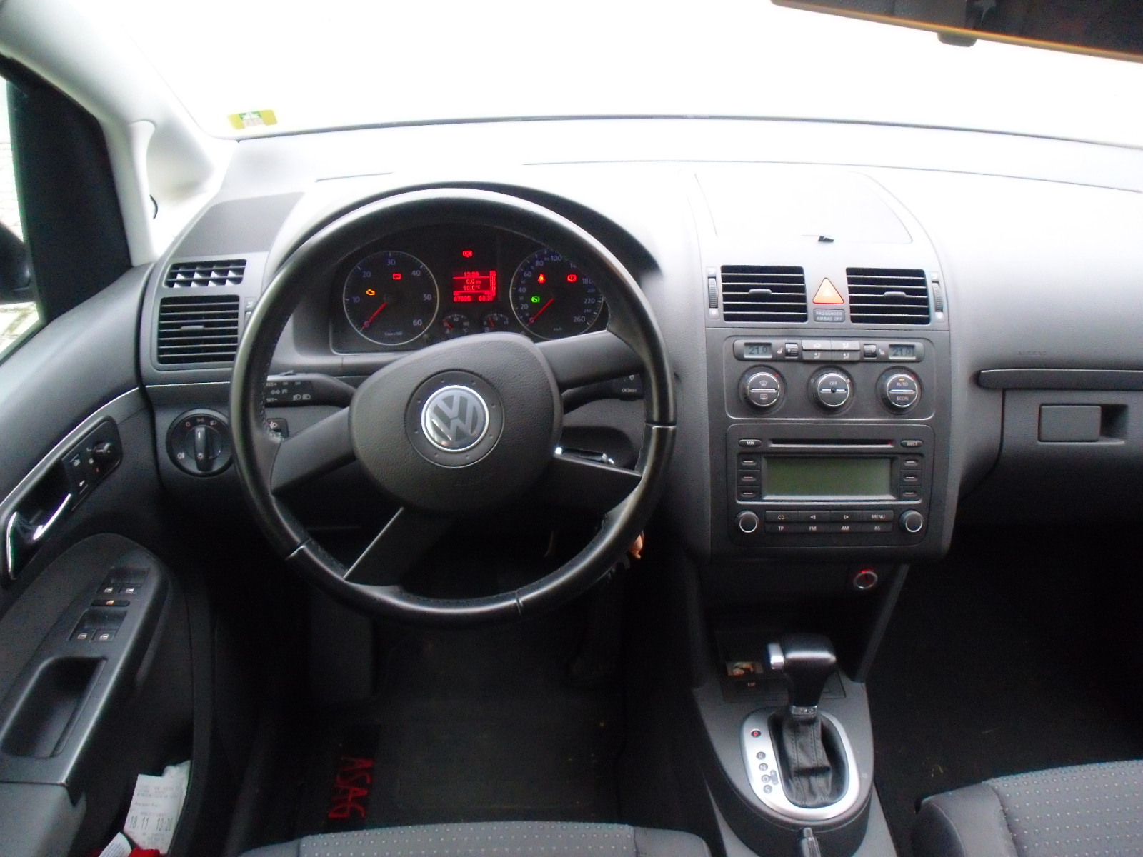 vw touran 1 9 tdi technical details history photos on. Black Bedroom Furniture Sets. Home Design Ideas