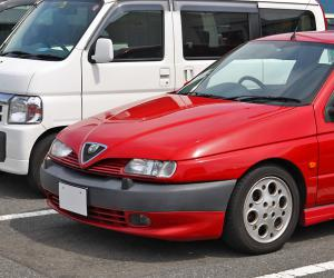 Alfa-Romeo 145 photo 1