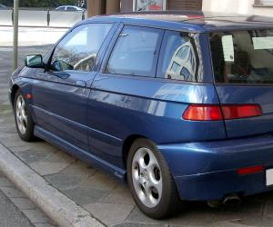 Alfa-Romeo 145 photo 3