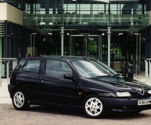 Alfa-Romeo 145 photo 7