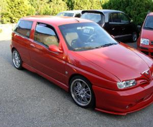 Alfa-Romeo 145 photo 12