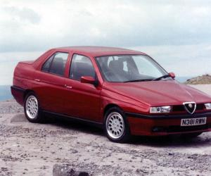 Alfa-Romeo 155 photo 12