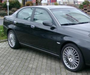 Alfa-Romeo 166 photo 1