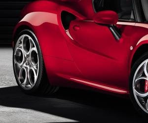 Alfa-Romeo 4C photo 1