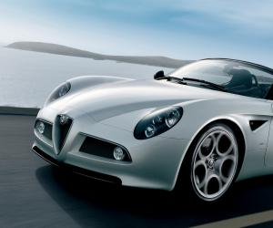 Alfa-Romeo 8C Spider photo 2