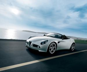 Alfa-Romeo 8C Spider photo 4