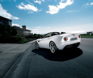 Alfa-Romeo 8C Spider photo 13