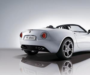 Alfa-Romeo 8C Spider photo 14