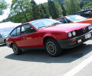 Alfa-Romeo Alfetta photo 8