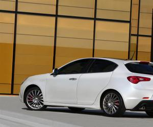Alfa-Romeo Giulietta photo 17