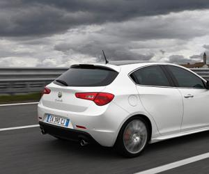 Alfa-Romeo Giulietta Sportwagon photo 13