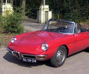 Alfa-Romeo Spider photo 3