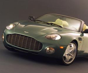 Aston-Martin AR1 photo 12