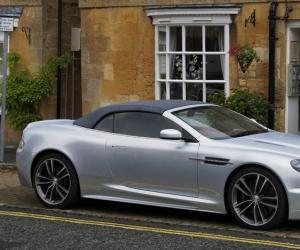 Aston-Martin DBS Volante photo 10