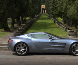 Aston-Martin One 77 photo 4