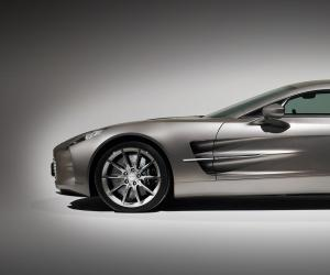 Aston-Martin One 77 photo 6