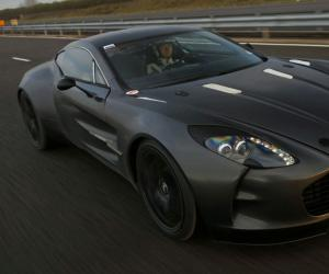 Aston-Martin One 77 photo 8