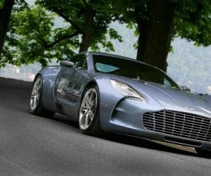 Aston-Martin One 77 photo 10