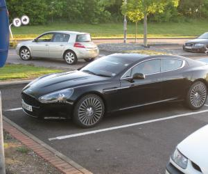 Aston-Martin Rapide photo 8