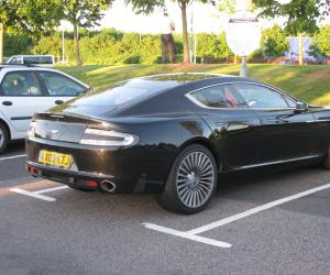 Aston-Martin Rapide photo 14