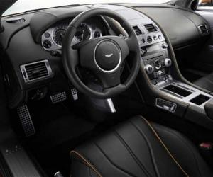 Aston-Martin Virage photo 10