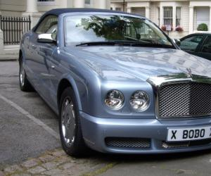 Bentley Azure photo 10